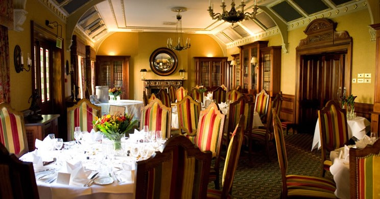 Wedding Receptions - Classic surroundings of the Library Restaurant