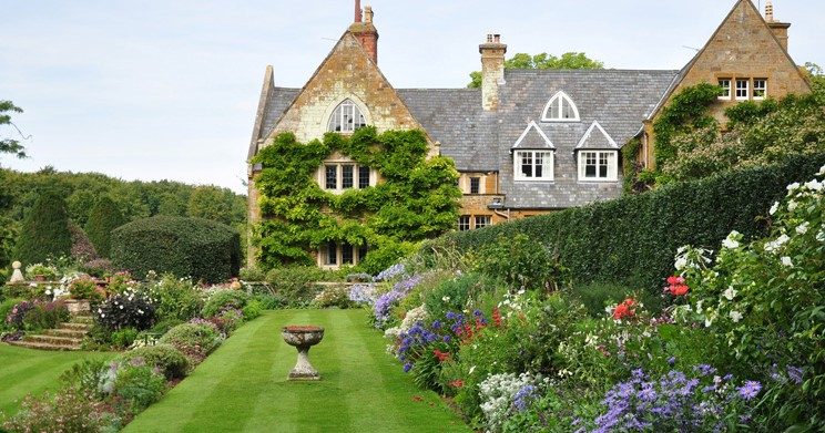 Discover the hidden beauty and tranquility of Coton Manor Gardens: 13 miles / 26 mins